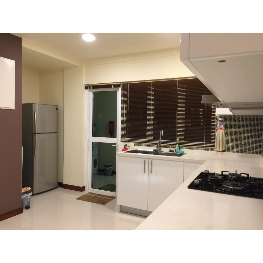 Four Bedroom Apartment For Rent: 3 Bedroom Apartment For Rent